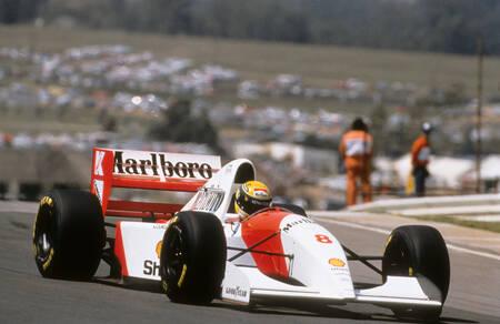 Ayrton Senna sur circuit en 1993