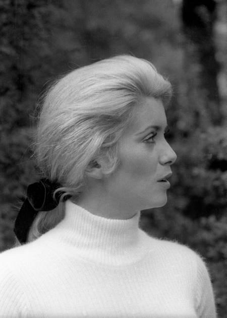 Catherine Deneuve en tournage en 1968
