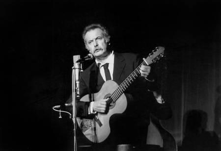 Georges Brassens in concert in 1972
