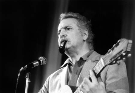 Georges Brassens rehearsing in 1972