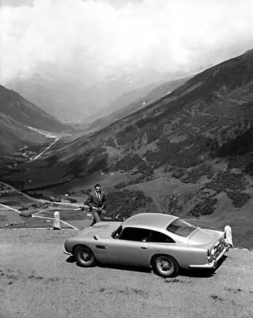 Goldfinger et Aston Martin