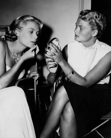 Grace Kelly and her sister Lizanne
