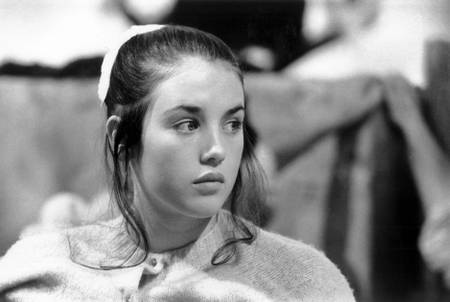 Isabelle Adjani in the women's school