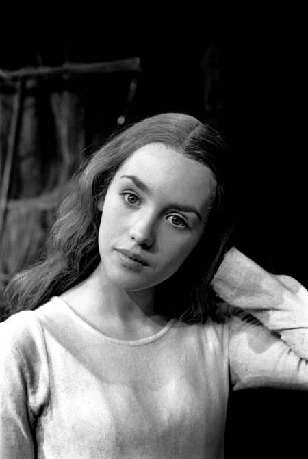 Isabelle Adjani dans la pièce de théâtre Ondine en 1974