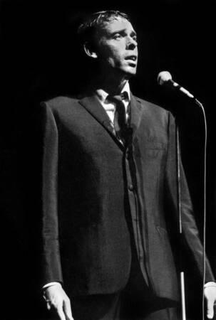 Jacques Brel in concert in 1966