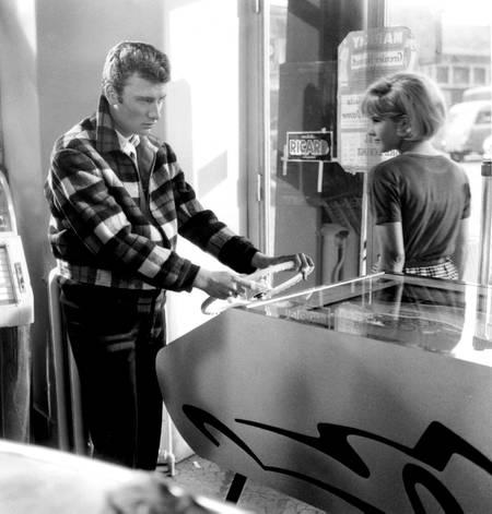 Johnny Hallyday plays pinball in 1963