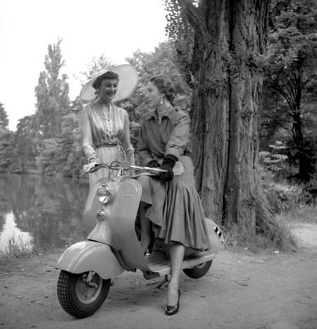 Mannequins au Bois de Boulogne en 1950