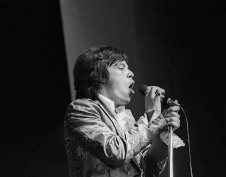 Mick Jagger sur scène à l'Olympia en 1967