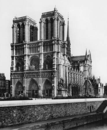 Notre-Dame of Paris around 1910