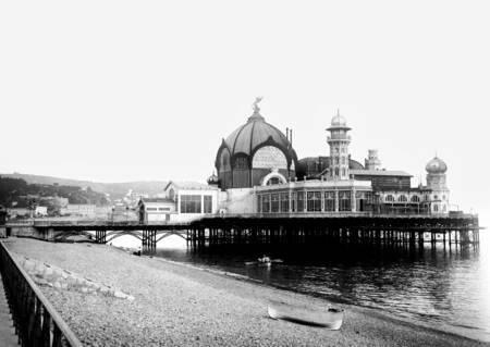 Palazzo sul mare