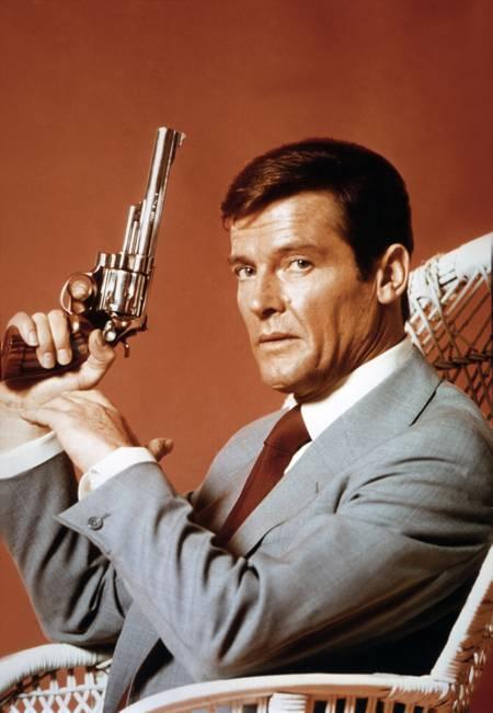 Roger Moore dans James Bond - Vivre et laisser mourir