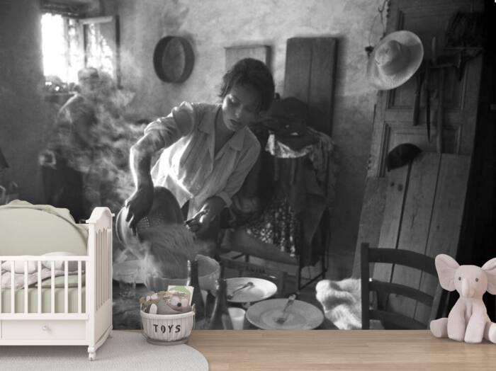 Sophia Loren preparing pasta in 1960