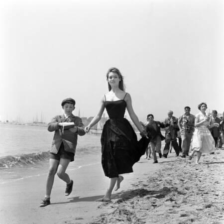 Brigitte Bardot en 1955 à Cannes