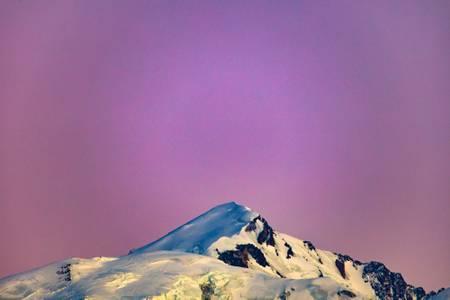 Mont Blanc in pink gradient