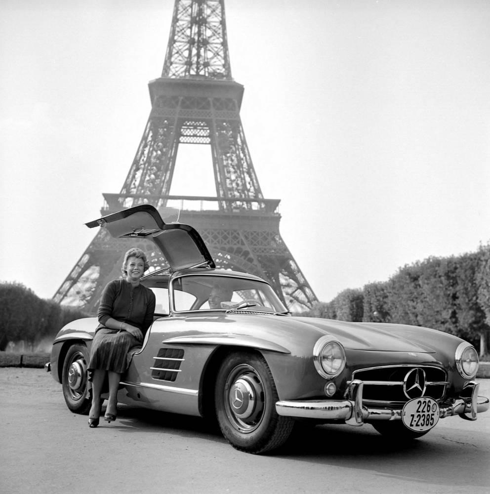 Mercedes 300 Sl Photographic Print For Sale