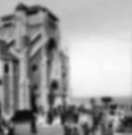 Biarritz - Sortie de messe à l'église Sainte-Eugénie