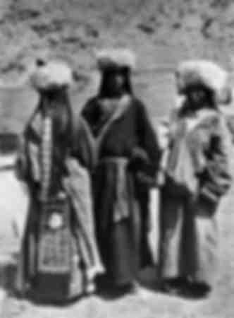 Jeunes tibétaines de la tribu des Lhardi