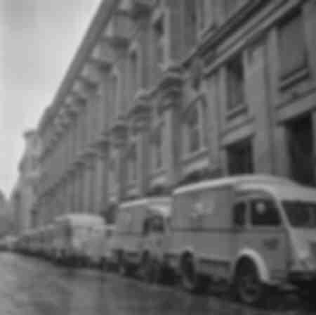 Postautos in Paris 1966