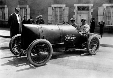 Ettore Bugatti and his mechanic Schnell
