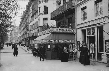 Le boulevard du Temple vers 1900