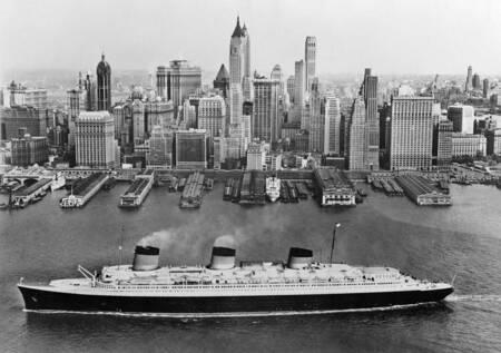 """Le """"Normandie"""" à New York"""