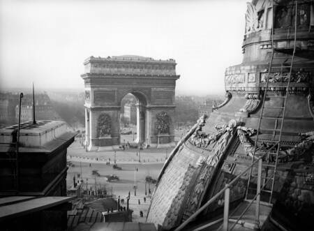 Paris - L'Arc de Triomphe vers 1920