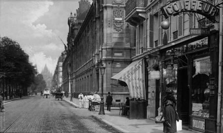 Paris - Le boulevard des Batignolles