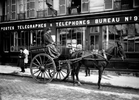 Paris voiture des postes