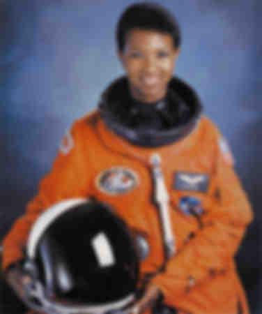 Första afroamerikanska astronauten