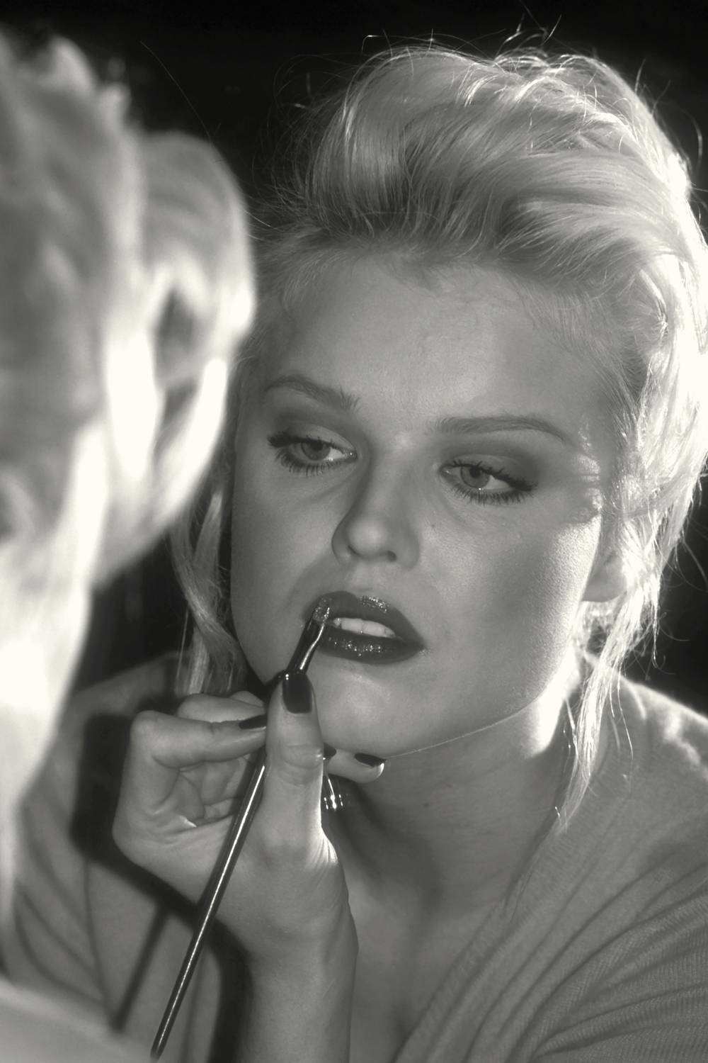 Eva Herzigova - In preparation - Photograph by Guy Marineau