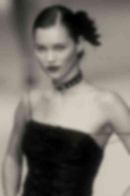 Kate Moss - Darkness