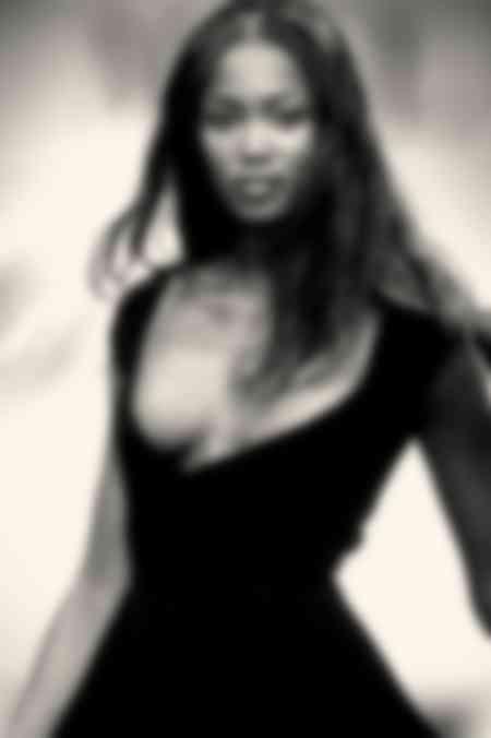 Naomi Campbell Vestido Negro