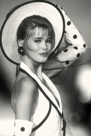 Claudia Schiffer - Haute couture
