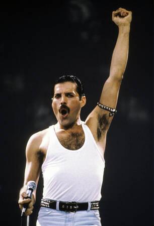 Queen - Live