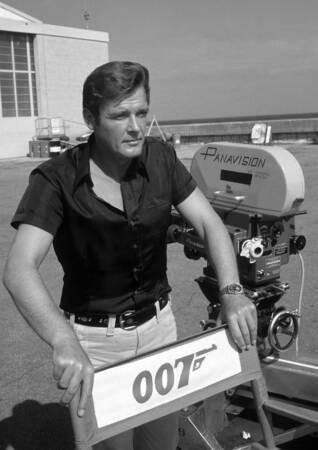 Roger Moore en 1973