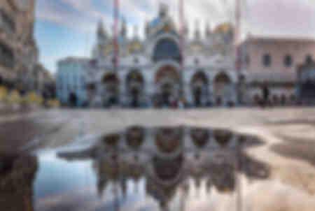Reflecties van de Basiliek van San Marco