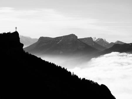 Siluetas de montañas