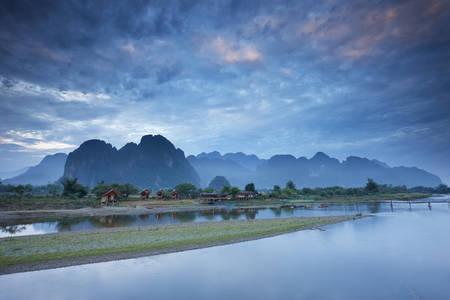 Aube du Laos