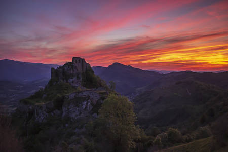 Sunset on the Roquefixade Castle