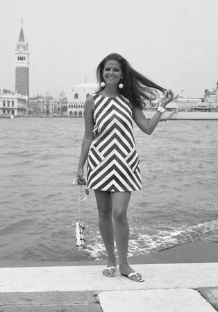 Claudia Cardinale sur l'île de Giudecca