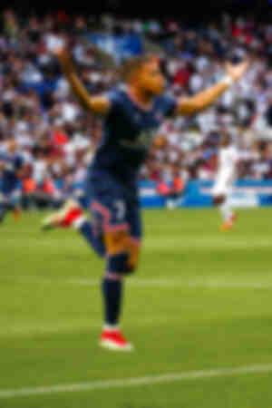 Célébration - Kylian Mbappé face à Clermont