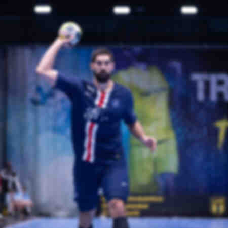 Nikola Karabatic facing Tremblay