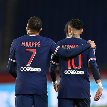 Kylian Mbappe et Neymar Jr face à Angers