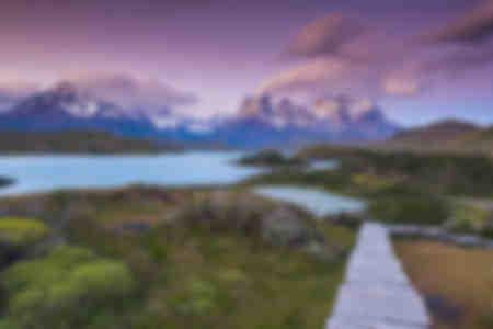 Strandpromenaden im Nationalpark Pehoe Torres Del Paine See