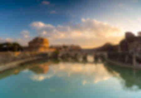 Castel Sant'Angelo e il fiume Tevere a Roma Italia