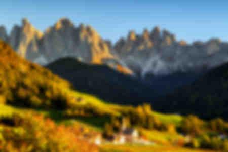 Das Tal von Funes in der Herbstsaison