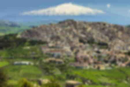 Vulcano innevato Monte Etna Italia