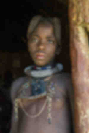Sehr hübsches Himba-Mädchen