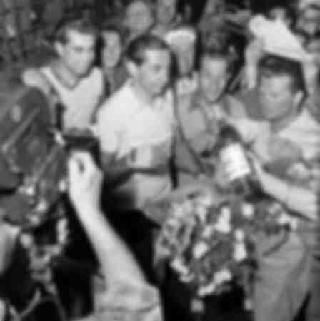 Coppi wins the 1952 Giro d'Italia