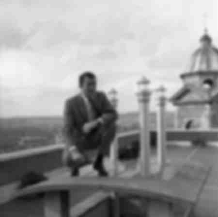 Gregory Peck on the roofs of Rome 1959